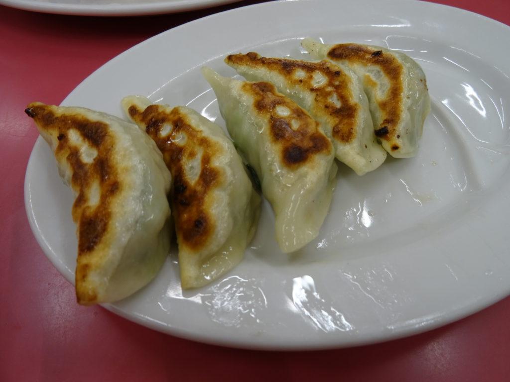 梅割りセット(520円)の焼き餃子