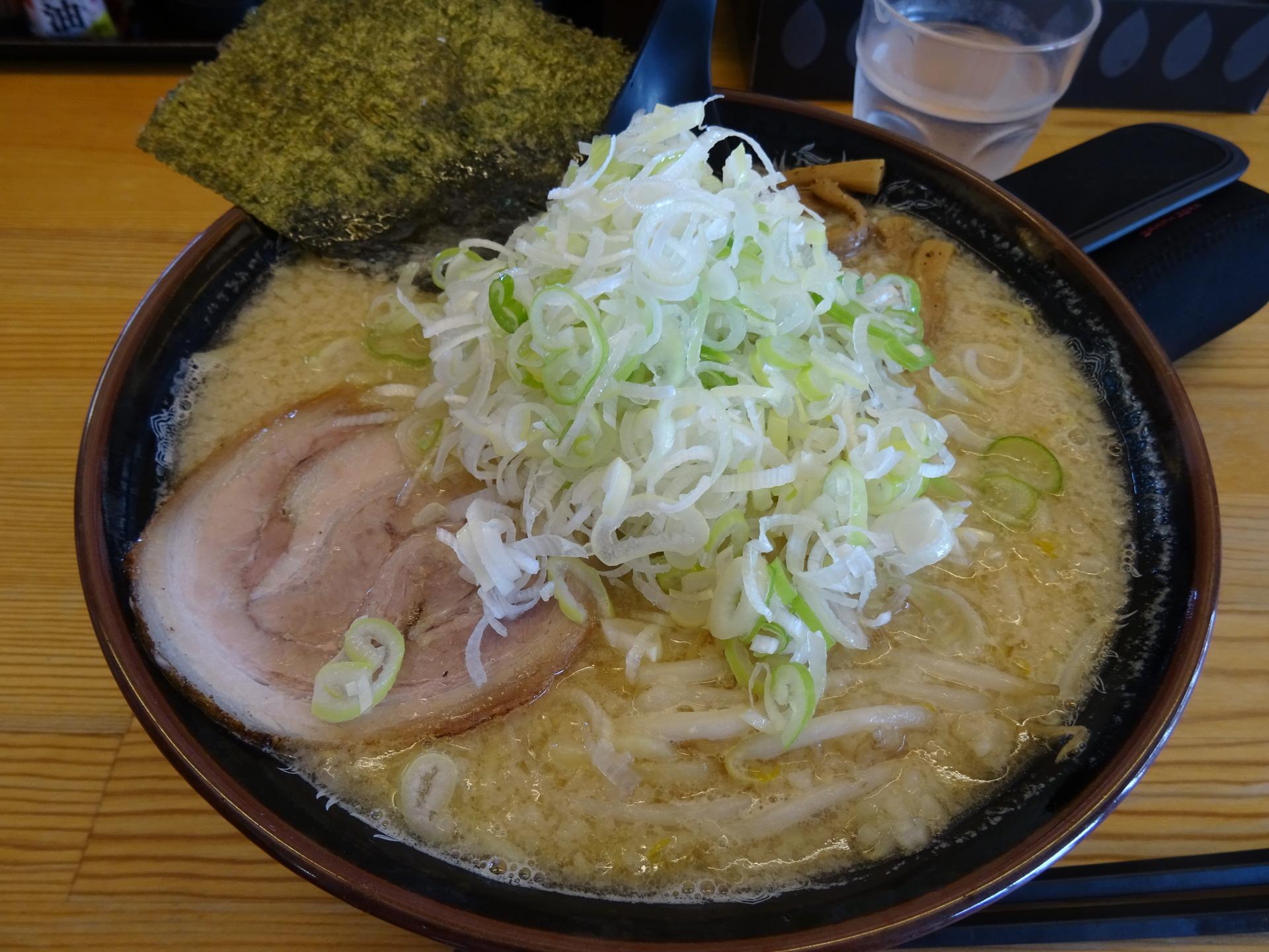 味噌らーめん大盛り(830円)