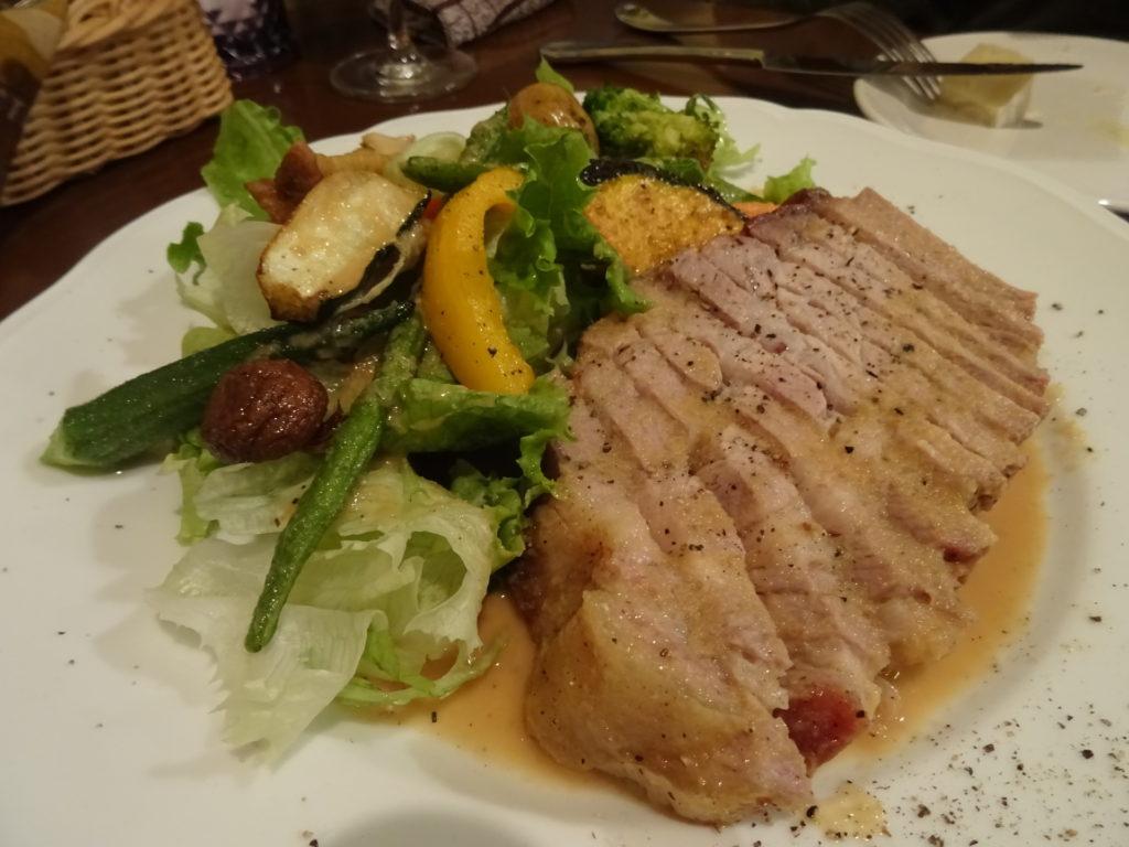 いすみ豚のロースト ジャンジャンブルソース(1300円)