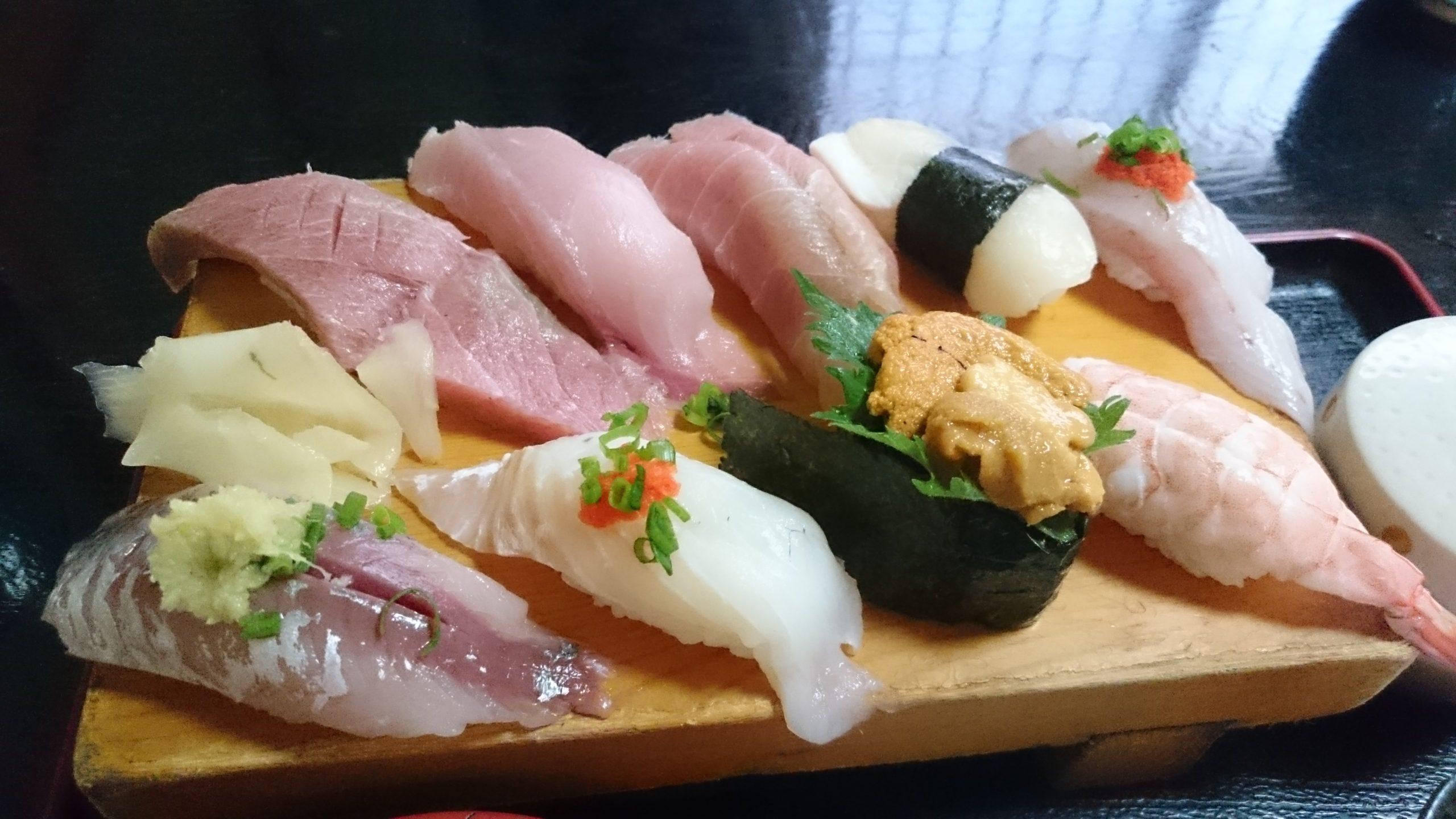 特上にぎり定食の寿司アップ
